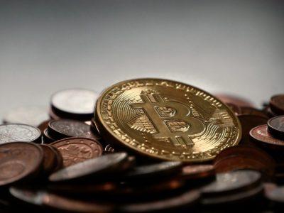 Bancos españoles cierran cuentas a comerciantes de criptomonedas